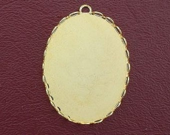 one 40x30 bezel oval goldplated pendant mounting