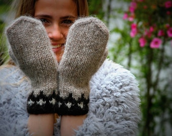 Icelandic Wool Mittens,made to order, 100 % pure Wool,Oatmeal, White,Black, Warm, Cozy, Hand Knit