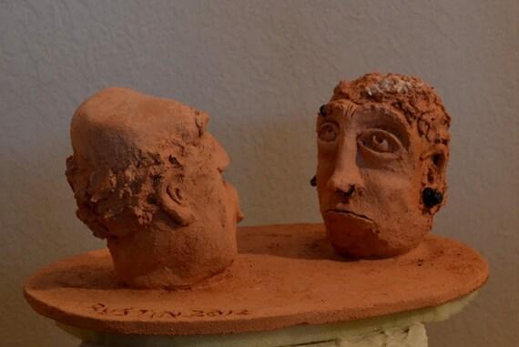 Hijo y padre de escultura en cerámica de gres