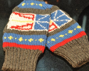 Knitting Pattern For Childs Newfie Mittens : Hand knit Newfoundland Map Slippers by HeadtoToeKnits on Etsy