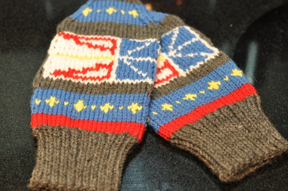 Woolen Socks Knitting Pattern : Hand Knit Newfoundland Mittens