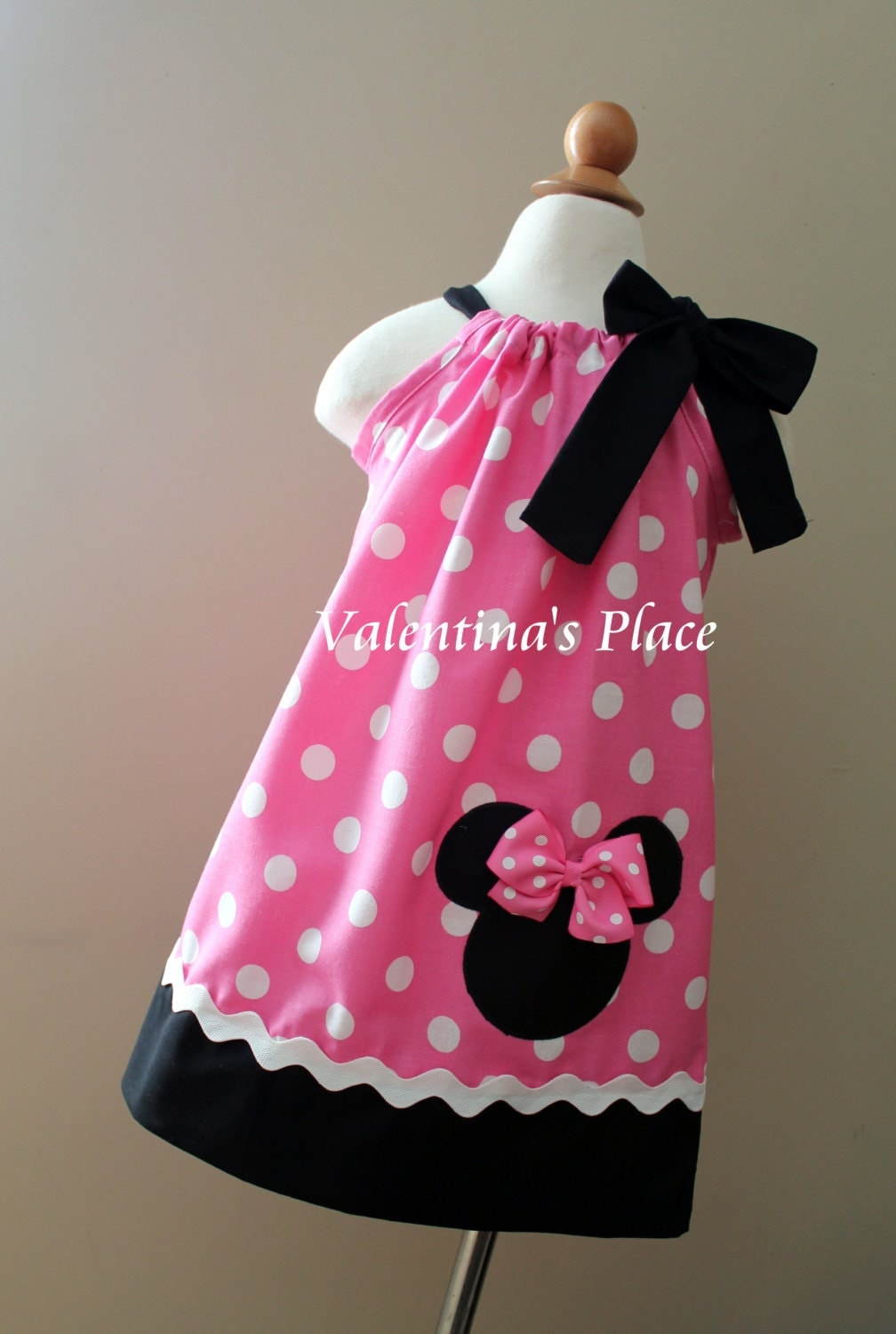 Beautiful Minnie Mouse In Pink Pillowcase Dress
