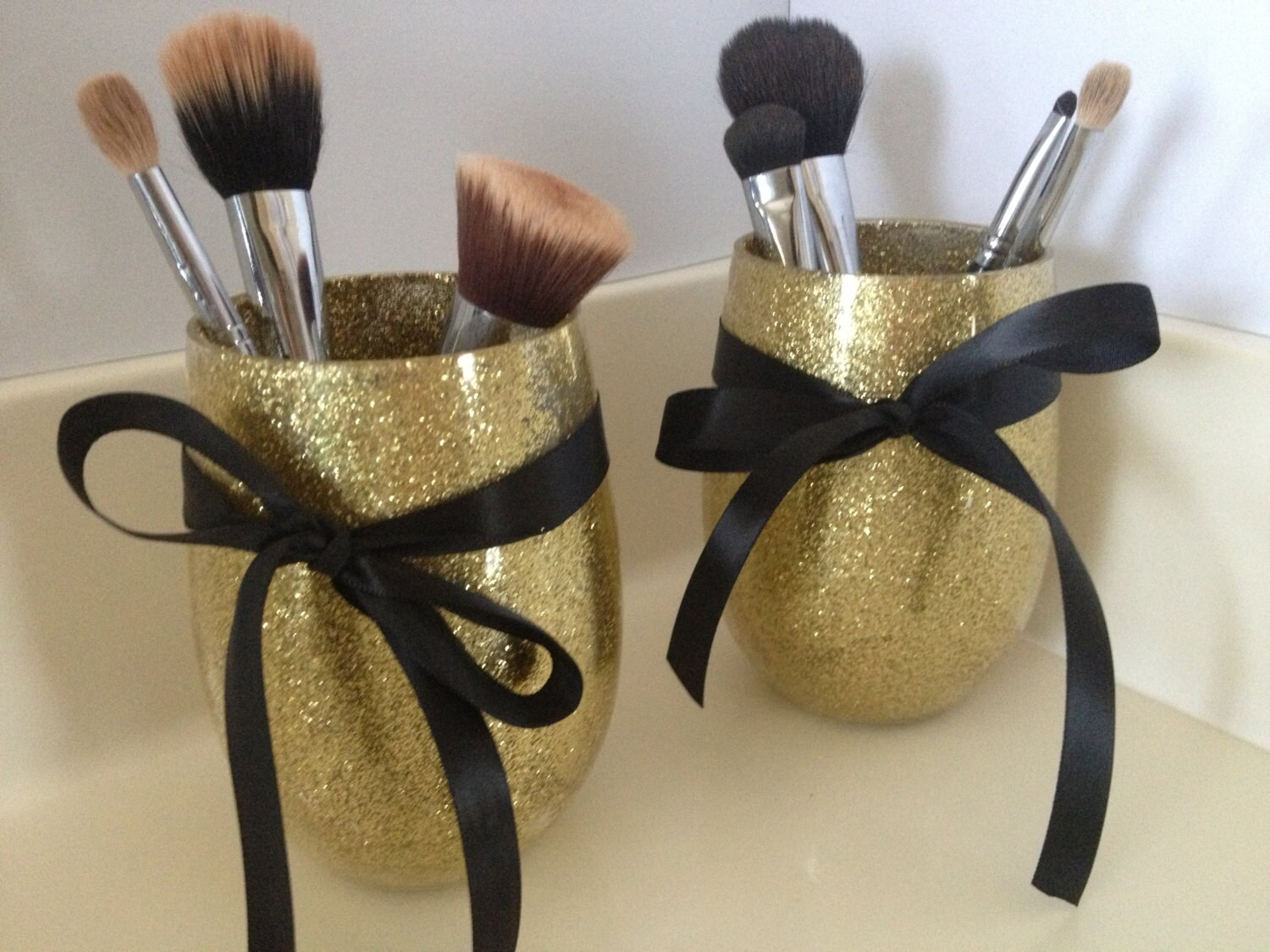 acrylic glittery makeup brush holder by misscraftycathy on etsy. Black Bedroom Furniture Sets. Home Design Ideas