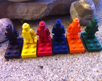 Lego inspired crayons - set of 8 crayons with 4 bricks and 4 mini figures