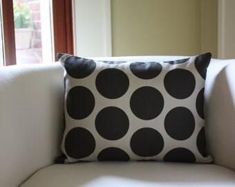 polka dot // taupe and black