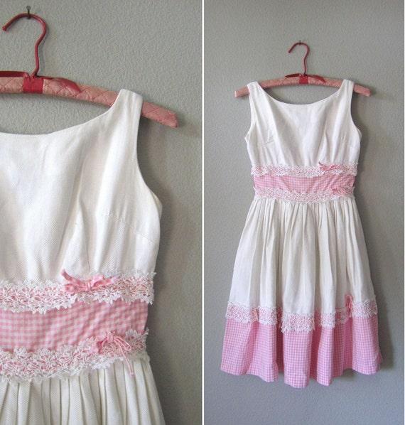 Girls Vintage 1950s Dress // Little Girl's White Gingham Sundress // 10-12 yrs.
