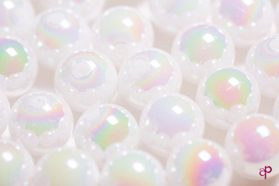 Craft Finding - 40pcs White Glossy Luster Plastic / Acrylic Round Ball Large Beads in 10mm ( Hole 2mm )