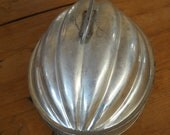 """Vintage Antique  Christmas melon/pudding mold Tin  7 1/4""""L. 5 1/2 """"W...Made in England"""