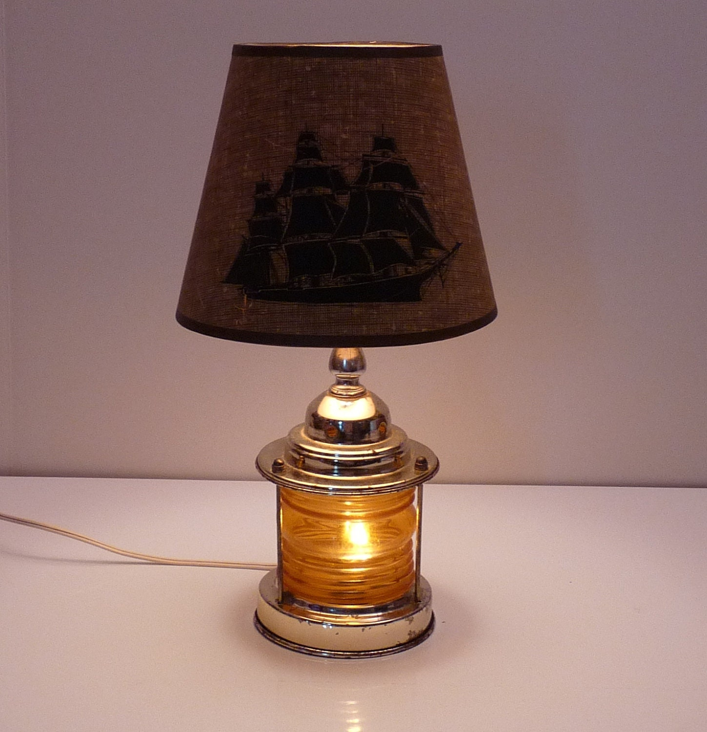 vintage yellow amber nautical ship lantern 3 way table lamp. Black Bedroom Furniture Sets. Home Design Ideas