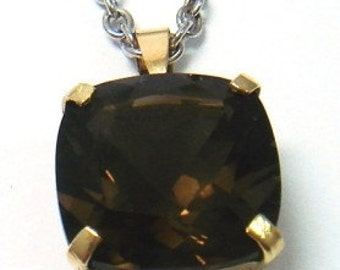 10KT Solid Yellow Gold Square Cushion Cut 3.90ct Natural Smokey Quartz Pendant