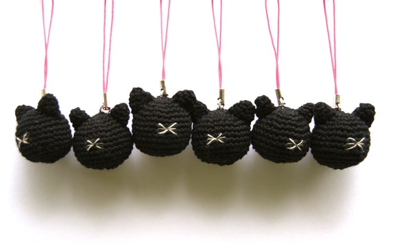 PDF Crochet Pattern Cat Keychain / Phone Charm