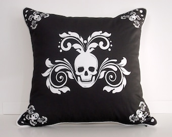Halloween Pillow Cover With Skulls