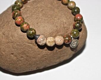 Yoga Ohm Bracelet - Green Yoga Bracelet with Silver Plated Ohm and Beads, Om Mala Bead