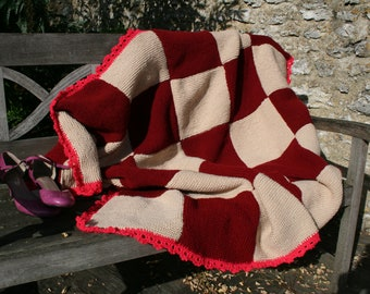 "Rosa:Wool blanket, patchwork of knitted squares, dark red and écru. 45.3"" 55.1"""