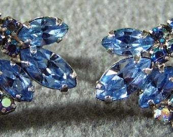 Vintage  Silver Tone  shades   blue rhinestone  fancy screw back  earrings     W