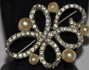 Vintage Signed Marvella Brooch - Beautiful Faux Pearl and Rhinestone
