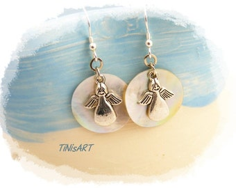 Silver earrings with angels, white, mother-of-Pearl disc