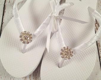 Bridal Flip Flops / Bridesmaid Flip Flops / Bridal Party Flip Flops