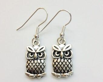 owl earrings,silver owl earrings,dangling owl earrings,small tiny cute owl earrings,silver