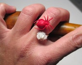 The Creepy Crawlies Ring (red)