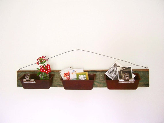 Upcycled Wall Organizer With Rusty Loaf Pans