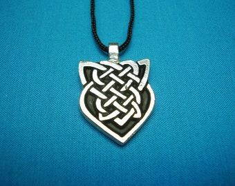 NEW Celtic Knotwork Necklace Pendant, handmade, handcast Silver Pewter STK113