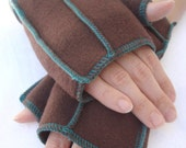 Brown Recycled Fleece Xmittens Gloves, size SMALL, teal threads