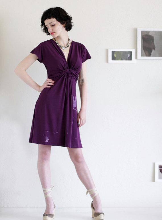 Twist front Knee length Plum V-neck Plus Size Pary dress - Catching the drangonfly - size Extra  Large