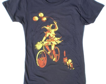Women's Bicycle T-shirt, The Jester with Two Cats, Navy