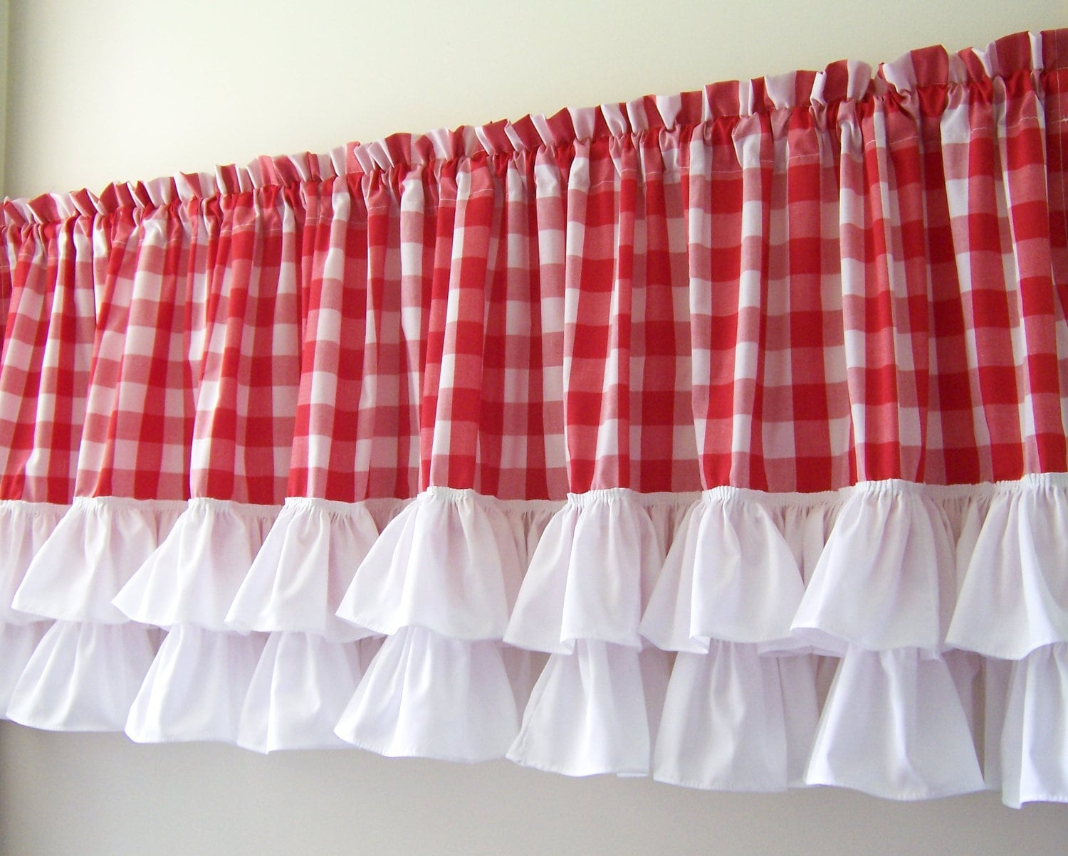 Ruffled Valance With Red Amp White Gingham
