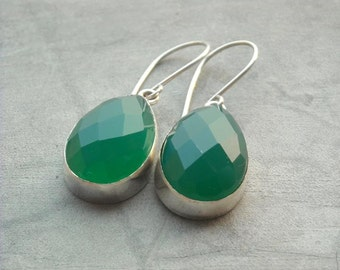Green chalcedony earrings - Faceted drop earrings - Green earrings - Bezel earrings - Gemstone earrings - Christmas gift idea