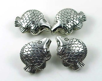 4 Antique Silver Pewter Fish Focal Bead 25x20mm (p110)