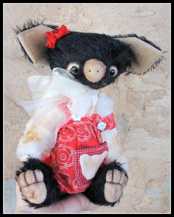 Layla the Berkshire Pig mohair artist bear by Woollybuttbears