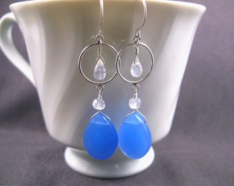 Blue Chalcedony Earrings with Moonstone in Silver