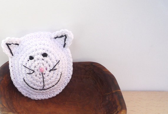 Crochet Cat Brooch