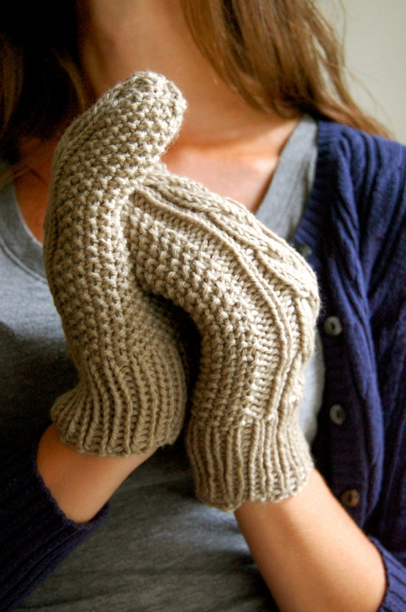 Cable Knit Mittens, Light Gray Wool