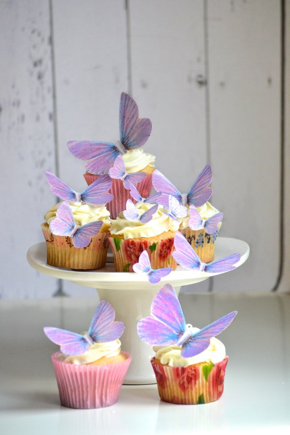 Wedding Cake Topper Edible Butterflies in Lavender - Cake & Cupcake toppers - Food decorations - Edible Wedding Favor