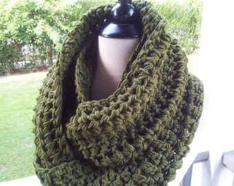 Chunky Knit Cowl Neckwarmer / Olive Green  / Neckwarmer Cowl Scarf / Scarves Cowl / Crochet Knitted by MALASA