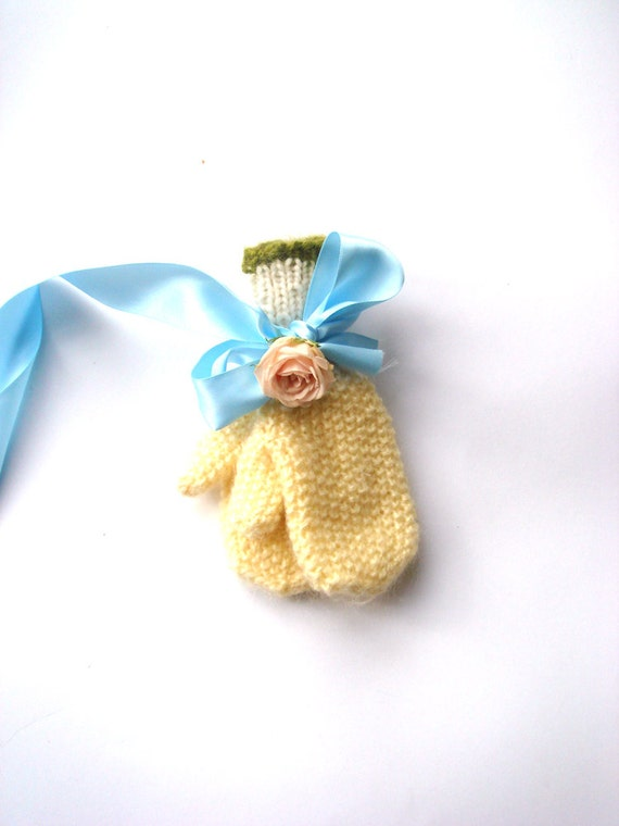 Yellow Toddler mittens, knitted kids gloves, gift for children