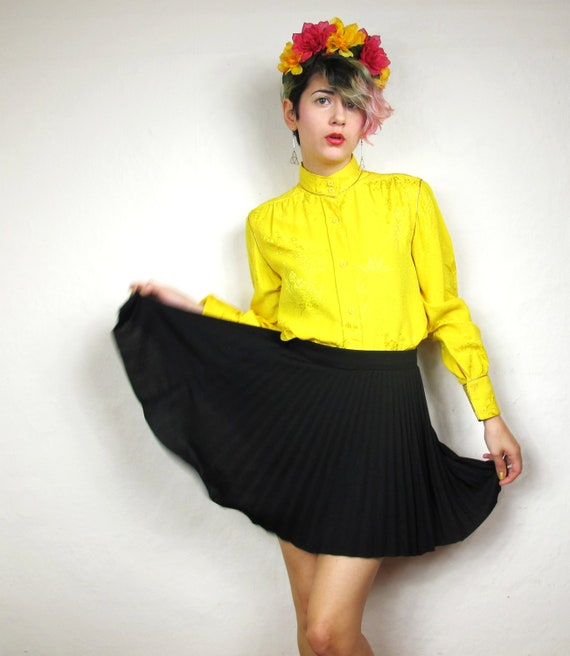 Sunny Yellow Chinese Floral Silk Blouse (XS/S)