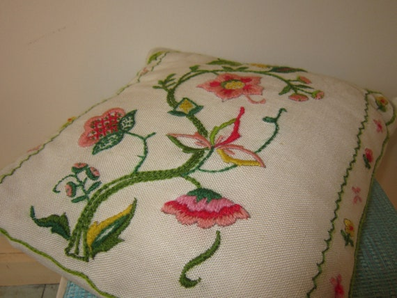 1970s crewel embroidered pillow floral