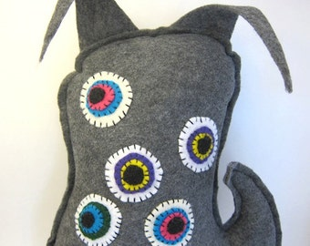 Stuffed eye monster toy sewn felt monster doll many eye plush