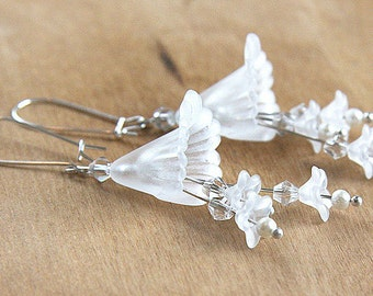Summer Party Gift Nature Earrings Trumpet Flower Earrings Snow White Bridal Earrings Flower Cluster Earrings Frosted Crystal Sterling Silver