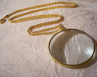 Necklace Magnifying Glass Gold Tone Vintage 5x Power Round Pendant Weaved Link Chain