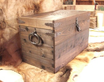 Custom storage box trunk coffee table strong box foot locker treasure chest -  Reclaimed cedar