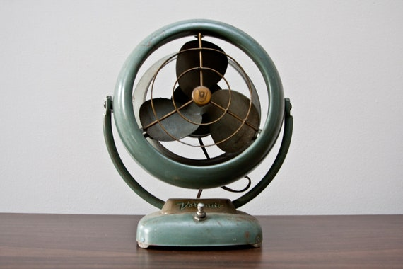Vornado Desk Fan : Vintage vornado desk fan model d c