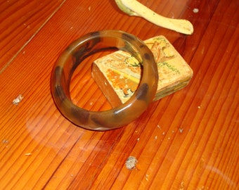 Timeless, Gorgeous TORTOISE Shell FACETED Marbled BAKELITE Vintage Bangle Bracelet - Verified Bakelite