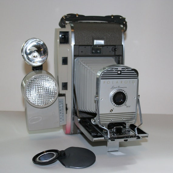 Vintage Polaroid Land Camera 800 with all the bells and whistles