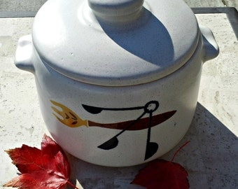 Mid Century West Bend Bean Pot, Cookie Jar, or Buffet Server