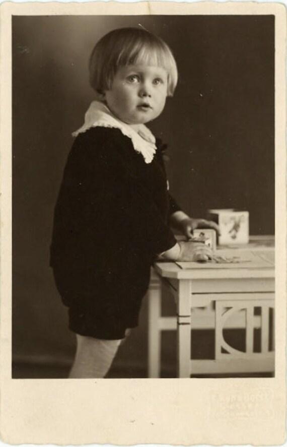 "Vintage Photo Postcard ""Playing with Blocks"", Photography, Paper Ephemera, Snapshot, Old Photo, Collectibles - 0036"